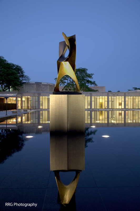 University of Chicago Law offices Sculpture Photo by RRG Photography